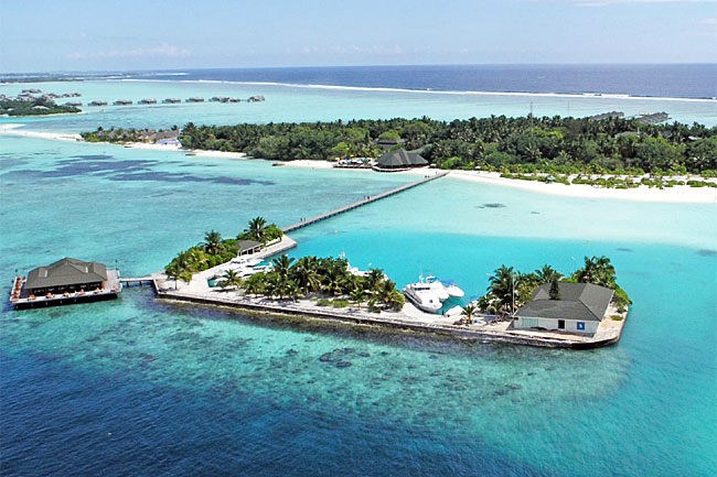 http://www.cruisemaldives.co.uk/images/stories/resorts/paradise/paradise_island_1.jpg