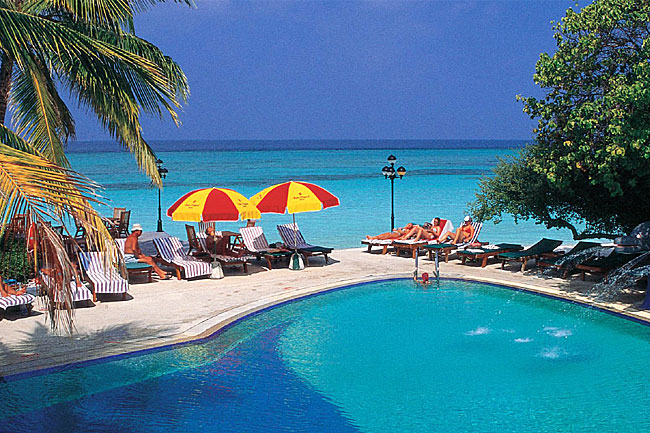 http://www.cruisemaldives.co.uk/images/stories/resorts/paradise/paradise_island_4.jpg