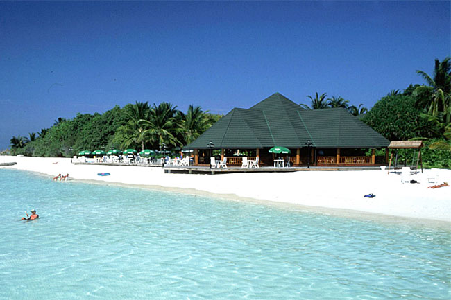 http://www.cruisemaldives.co.uk/images/stories/resorts/paradise/paradise_island_7.jpg